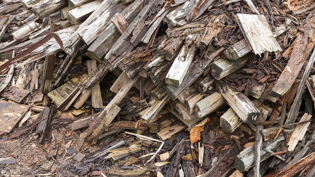 废旧铁料回收.jpg